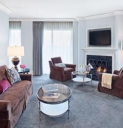 Terrific Luxury Rooms And Suites Waldorf Astoria Chicago Beutiful Home Inspiration Ponolprimenicaraguapropertycom